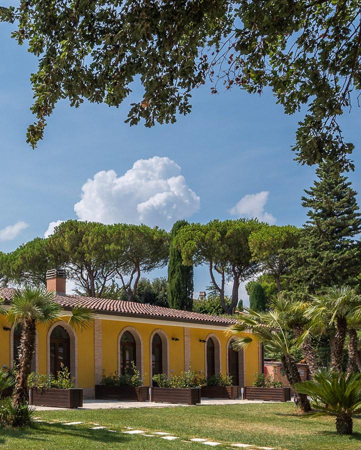 Poggio Imperiale Country House con piscina nelle Marche