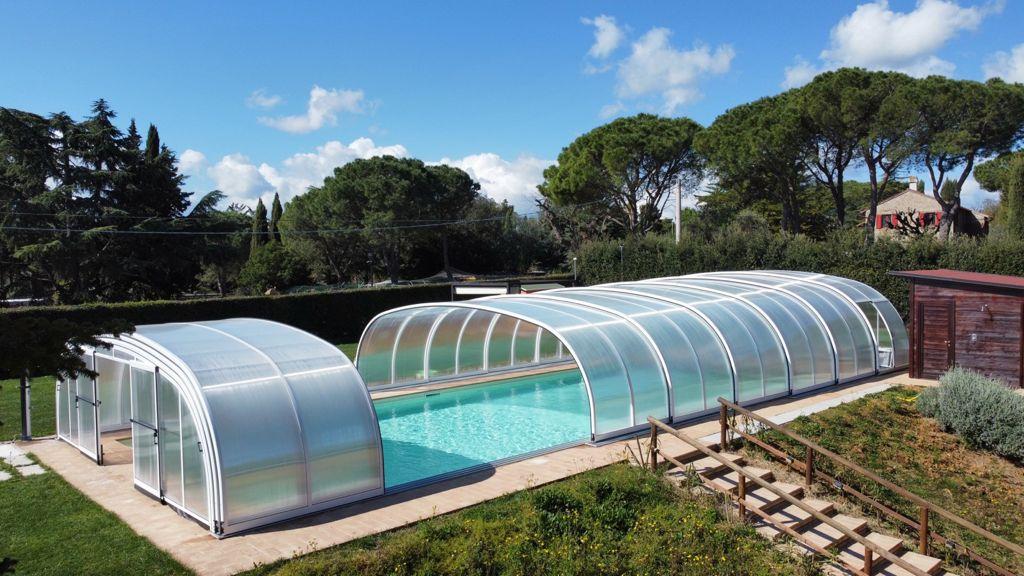 poggio-imperiale-marche-piscina
